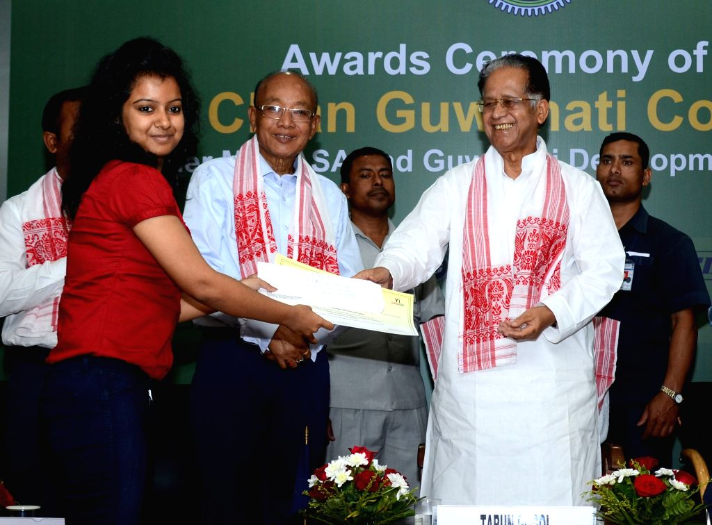 Assam Chief Minister Tarun Gogoi during the award ceremony of `Mission Clean Guwahati Contest 2014` in Guwahati on April 1, 2015.