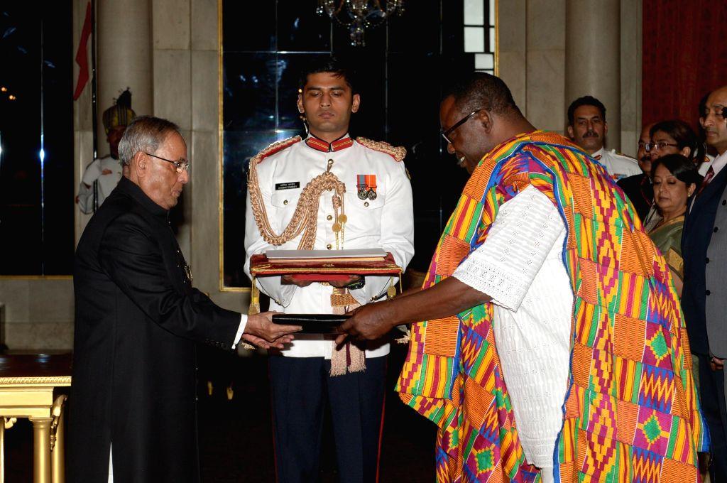 H.E.  Samuel Panyin Yalley, High Commissioner-designate of Ghana presents his credentials to President Pranab Mukherjee at Rashtrapati Bhawan in New Delhi on July 31, 2014.