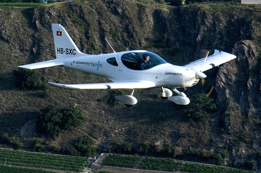 H55's electric airplane Bristell Energic.