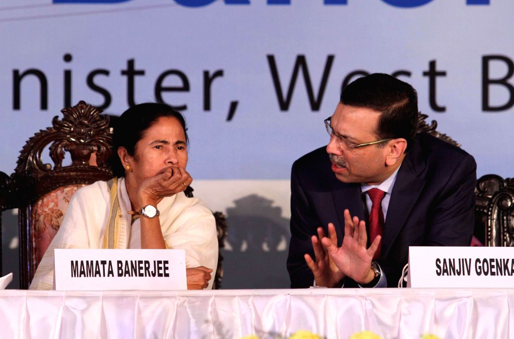 West Bengal Chief Minister Mamata Banerjee and CESC chairperson Sanjiv Goenka during inauguration of a 600 MW Haldia Thermal Power Plant in Haldia, West Bengal on Nov 26, 2014. - Mamata Banerjee