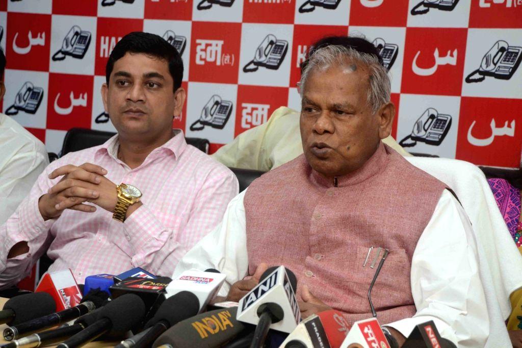 HAM leader Jitan Ram Manjhi addresses a press conference in Patna on Oct 20, 2016.