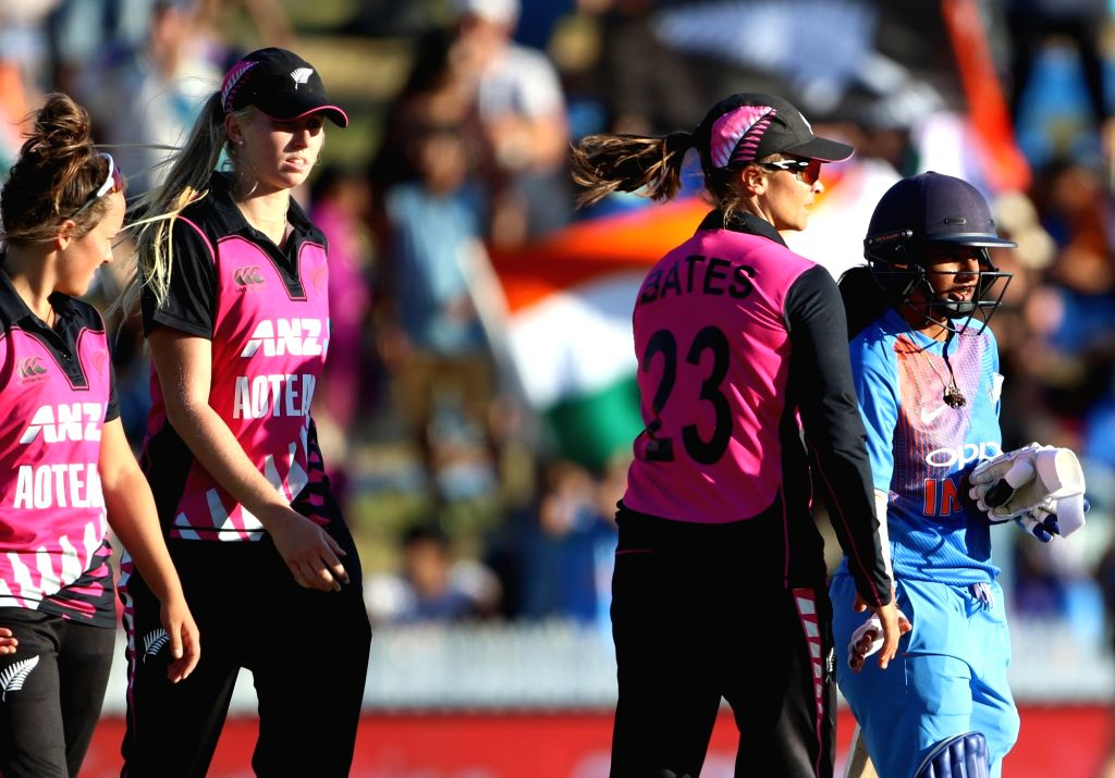 Hamilton (New Zealand): New Zealand players during the third women's T20I match between India and New Zealand at Seddon Park in Hamilton, New Zealand on Feb 10, 2019.