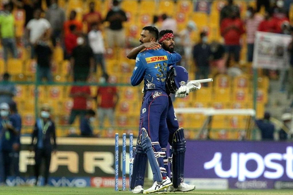 Hardik a confidence player, can string 4-5 match-winning scores: Shastri