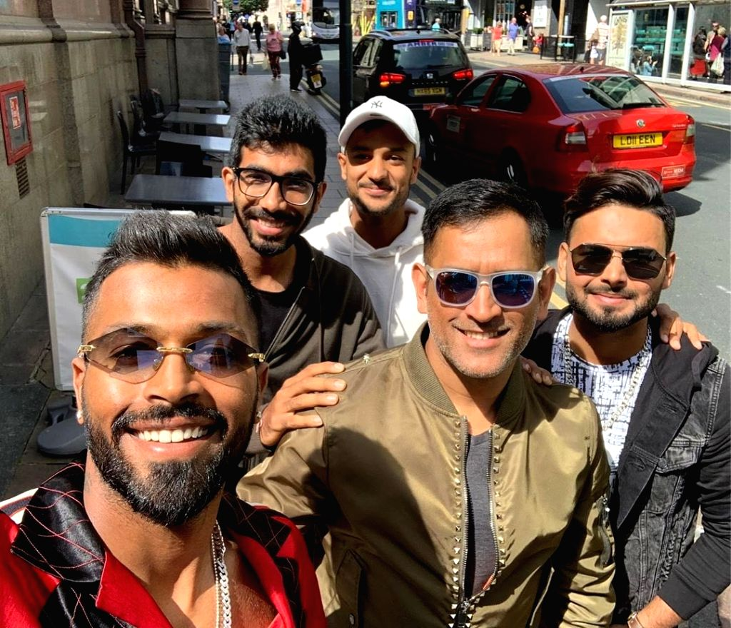 """Hardik Pandya posted this photo on his Instagram account along with Mahendra Singh Dhoni, Mayank Agarwal, Rishabh Pant and Jasprit Bumrah and captioned it: """"Boys day out (sic)."""" (Photo: Twitter/@hardikpandya7) - Mahendra Singh Dhoni"""
