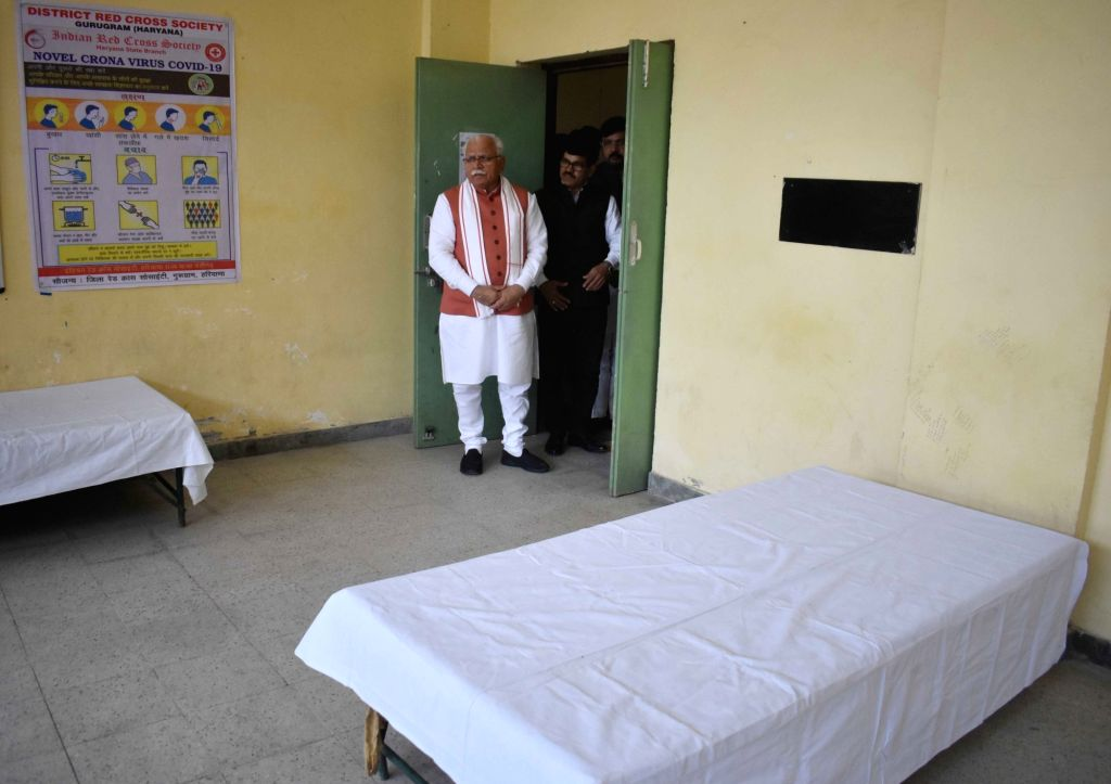 Haryana Chief Minister Manohar Lal Khattar inspects an isolation ward setup to tackle the spread of COVID-19 (coronavirus), in Gurugram on March 16, 2020. - Manohar Lal Khattar