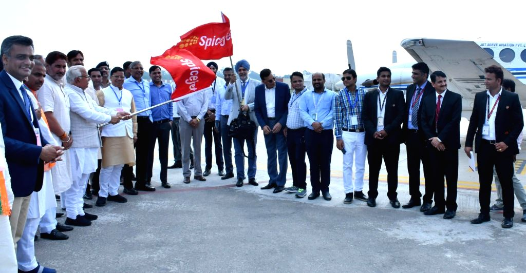 Haryana Chief Minister Manohar Lal Khattar flags off Air Shuttle Service and Flying Training Organisation at Hisar Airport, on Sep 3, 2019. Also seen Civil Aviation Additional Chief Secretary ... - Manohar Lal Khattar and Kamal Gupta
