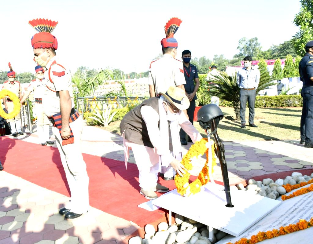 Haryana Chief Minister Manohar Lal Khattar pays homage to the police martyrs on Police Commemoration Day, at Police Line, Moginand in Panchkula on Oct 21, 2020. - Manohar Lal Khattar