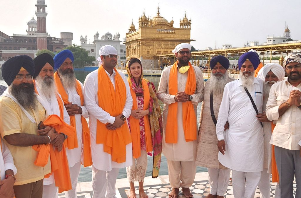 Haryana Deputy Chief Minister Dushyant Chauhtala and his younger brother Digvijay Chautala during thor visit to the Golden Temple in Amritsar on Aug 12, 2020. - Dushyant Chauhtala