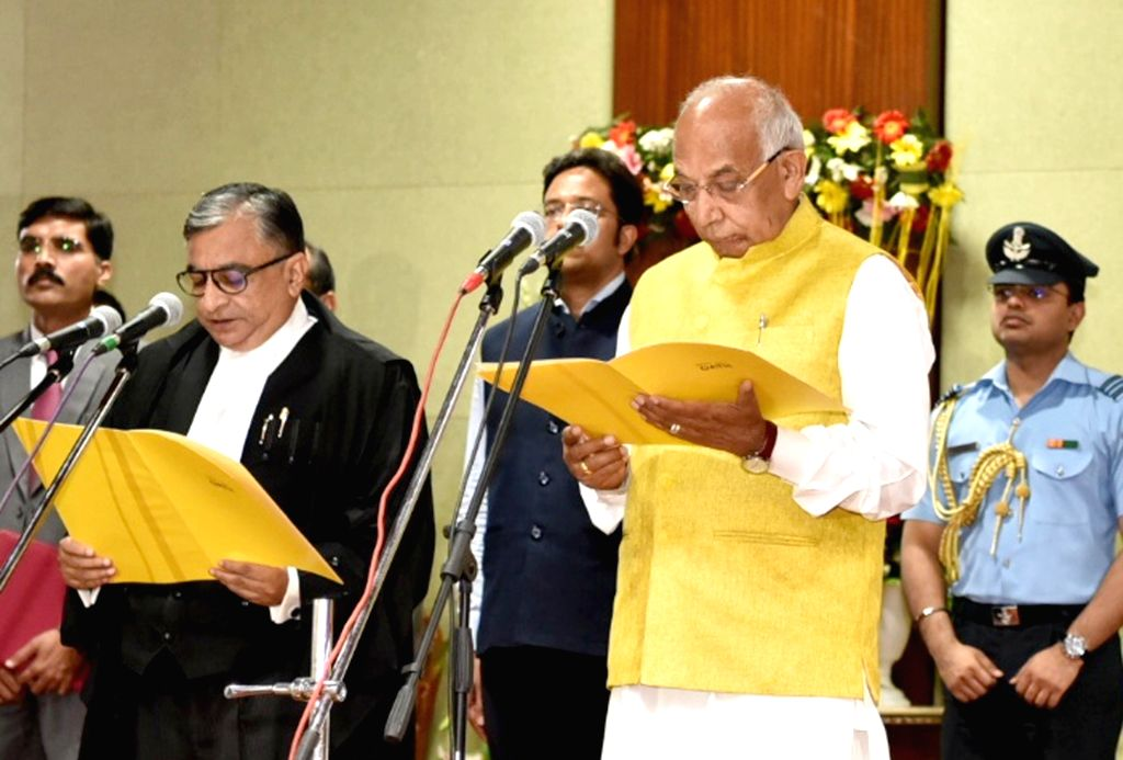 Haryana Governor Kaptan Singh Solanki administers the oath of office to Justice Krishna Murari during his swearing-in as the Chief Justice of the Punjab and Haryana High Court at Haryana ... - Kaptan Singh Solanki