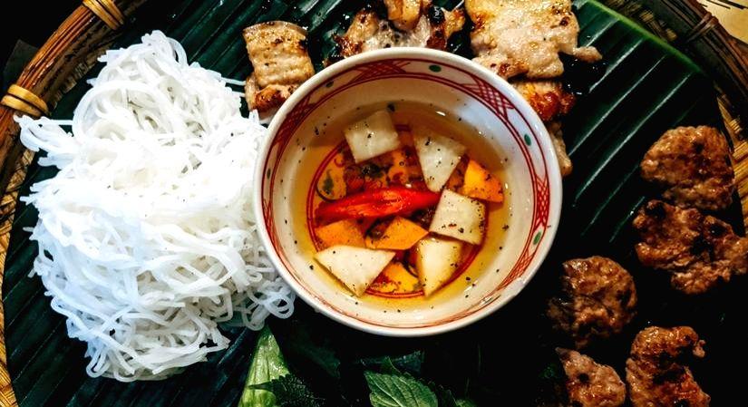 Health benefits of red rice noodles (Photo: unsplash)