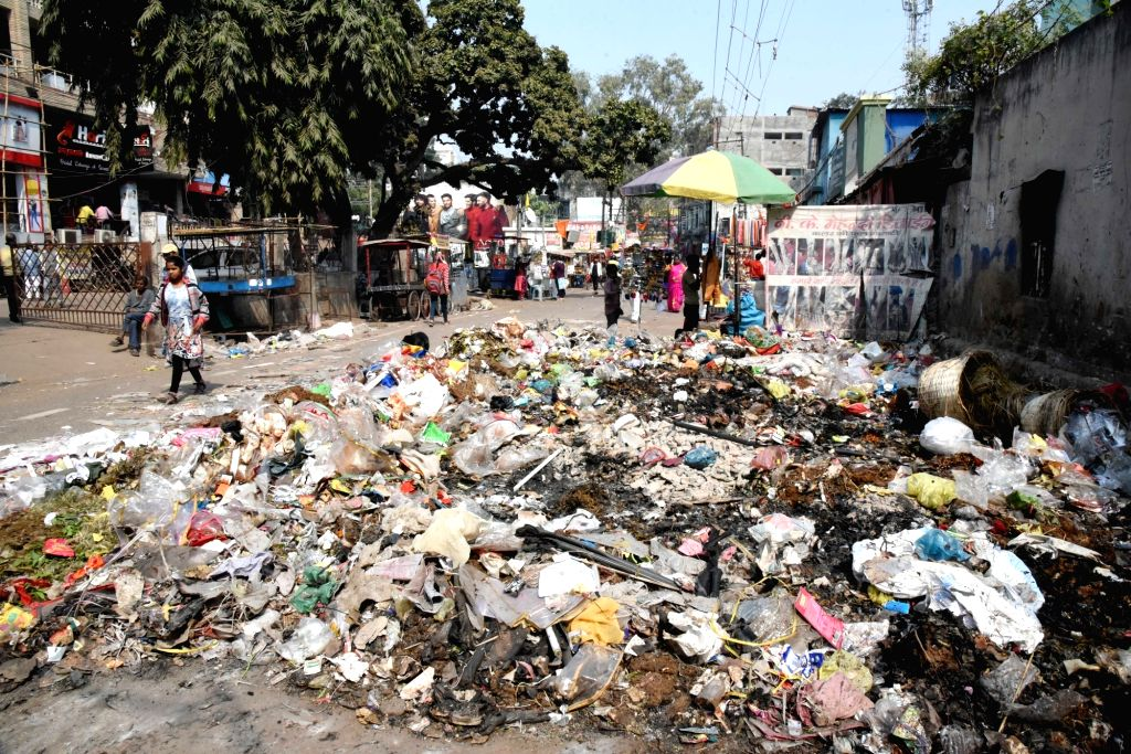 Heaps of garbage lies uncleaned on Patna streets as the indefinite strike called by Patna Municipal Corporation (PMC) workers continues, on Feb 7, 2020.