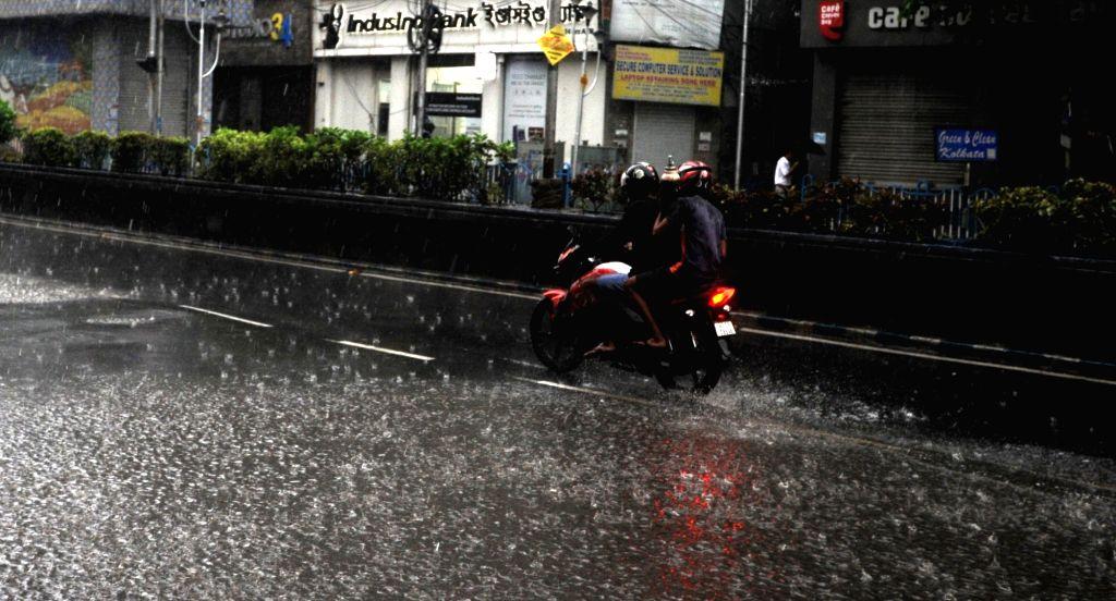Heavy rain in Kolkata   24 May, 2021.