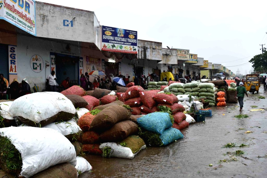 : Heavy rains lash Hyderabad on Sept 23, 2016. Three persons were killed as heavyrains lashed various parts of Telangana on Friday.