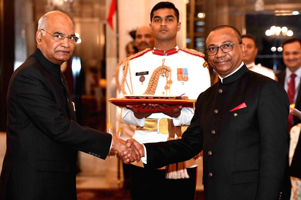 High Commissioner-designate of the Republic of Seychelles, Thomas Selby Pillay presents his credentials to President Ram Nath Kovind at Rashtrapati Bhavan in New Delhi, on March 13, 2019. - Nath Kovind