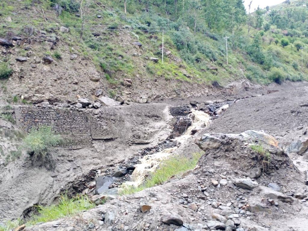Himachal landslides: 2 BRO officers lose lives in rescue ops.(photo:BRO twitter)