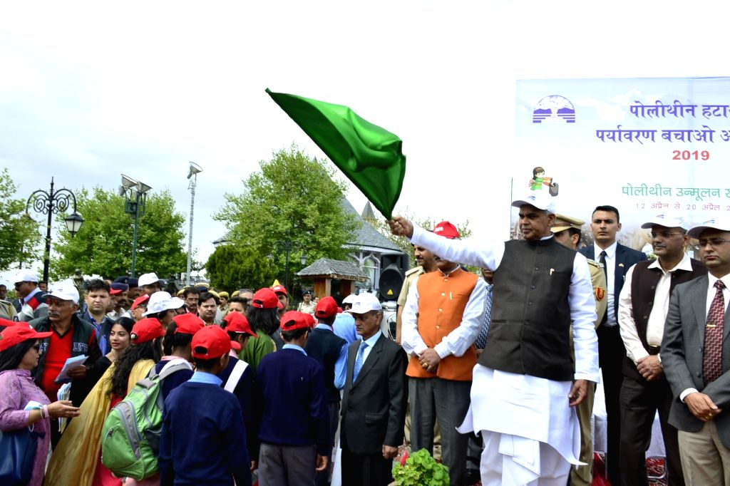 Himachal Pradesh Governor Acharya Devvrat flags off the week-long polythene eradication programme - 'Polythene Hatao-Paryavaran Bachao' campaign in Shimla, on April 12, 2019.