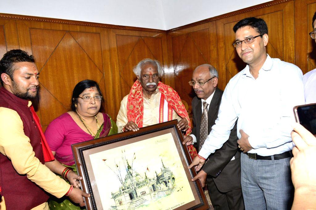 Himachal Pradesh Governor Bandaru Dattatraya being welcomed during his visit to Shri Naina Devi Ji Temple, in Bilaspur on Oct 18, 2019.