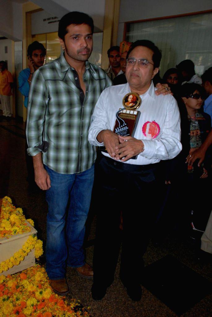 """Himesh Reshmiya at """"Dadasaheb Phalke"""" award."""