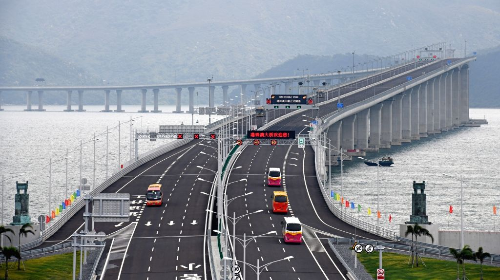 HK govt under pressure to open border with China