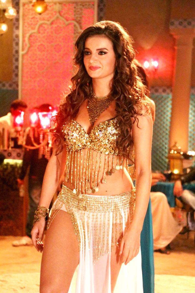 Hollywood actor Natasha Janoszek during the on location shoot of film The Chicken Curry Law, in Mumbai, on July 22, 2016. - Natasha Janoszek