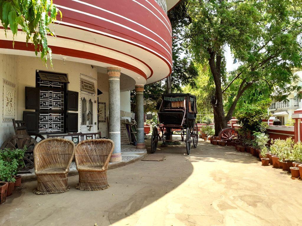 Horse-cart at the residence of Sejal Shah. (Photo: IANS/Megha Modi) - Sejal Shah and Megha Modi