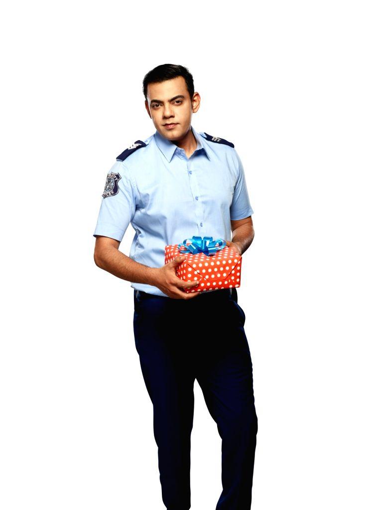 :Host-actor Cyrus Sahukar..