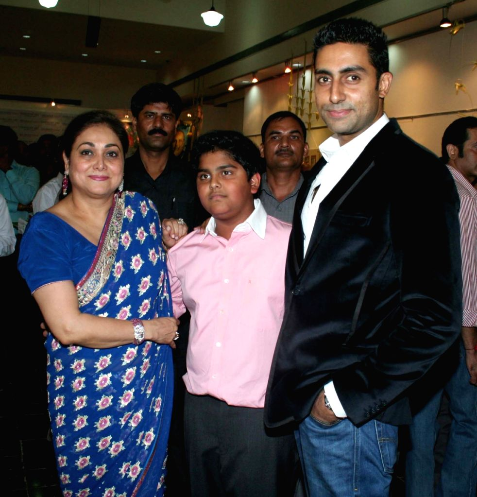 Host Tina Ambani with her son and Bollywood star Abhishek Bachchan at the Harmony Art show at Chhatrapati Shivaji Maharaj Vastu Sangrahalaya's Coomaraswamy Hall in Mumbai Friday. Rajya Sabha MP J - Abhishek Bachchan