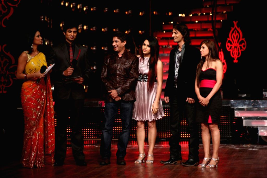 """Hosts and participants on the sets of reality dance show """"Jhalak Dikhlaja"""" at Filmistan studios."""