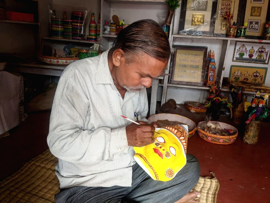How professional Degree holders are taking the ???Pattachitra??? art to new heights !