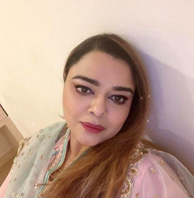 How Zain Imam surprised Gulfam Khan on her birthday - Gulfam Khan
