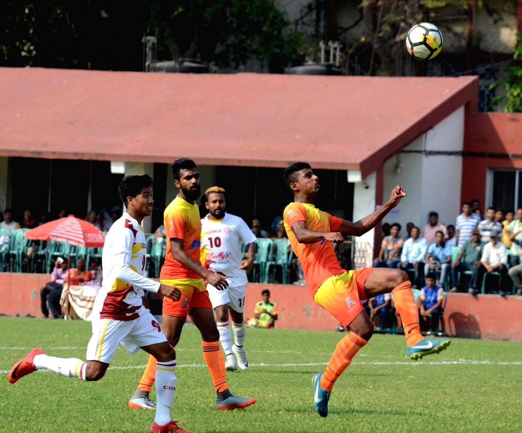 Howrah: Players in action during Santosh Trophy Semi Final between Bengal and Karnataka at Sailen Manna Stadium in Howrah on March 30, 2018. (Photo: IANS)