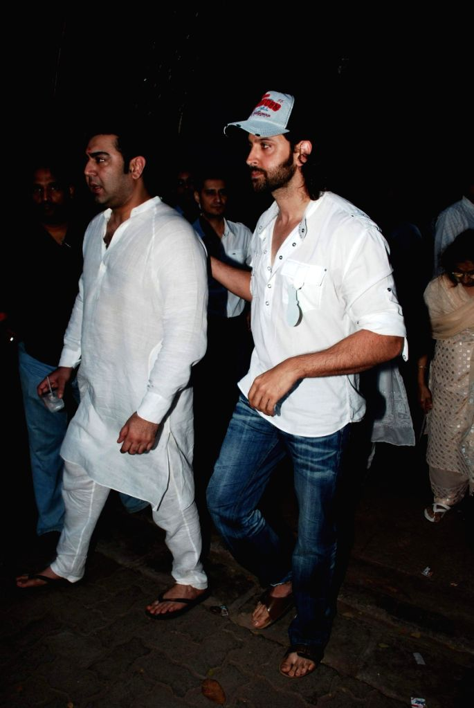 Hrithik and many other Bollywood stars at actorr Sujit Kumar's prayer meeting at Juhu.