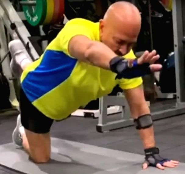 Hrithik Roshan shares workout video of 70-yr-old Rakesh Roshan. - Hrithik Roshan and Rakesh Roshan