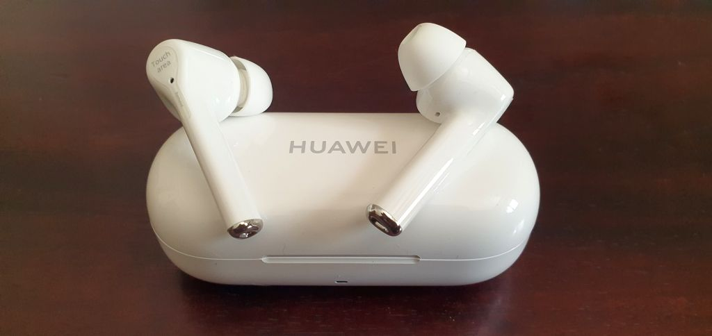Huawei FreeBuds 3i: Enjoy active noise cancellation in a budget.