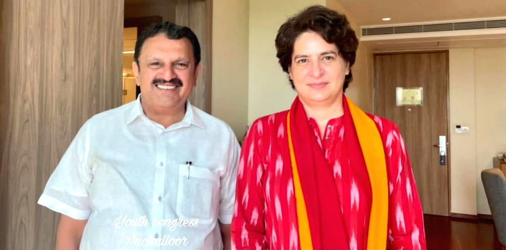 Huge response to Priyanka Gandhi in Kerala, to return again  on Saturday. - Priyanka Gandhi