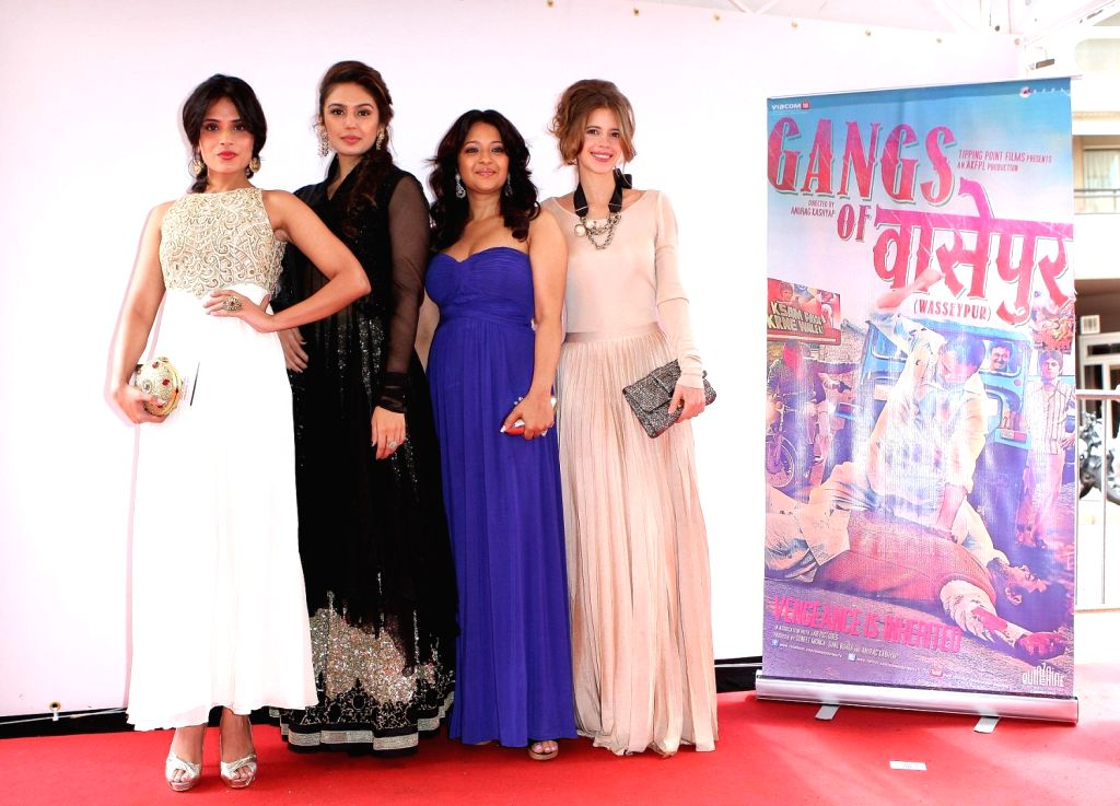 Huma Qureshi, Reema Sen and Richa Chadda at the screening of Gangs of Wasseypur in Cannes.