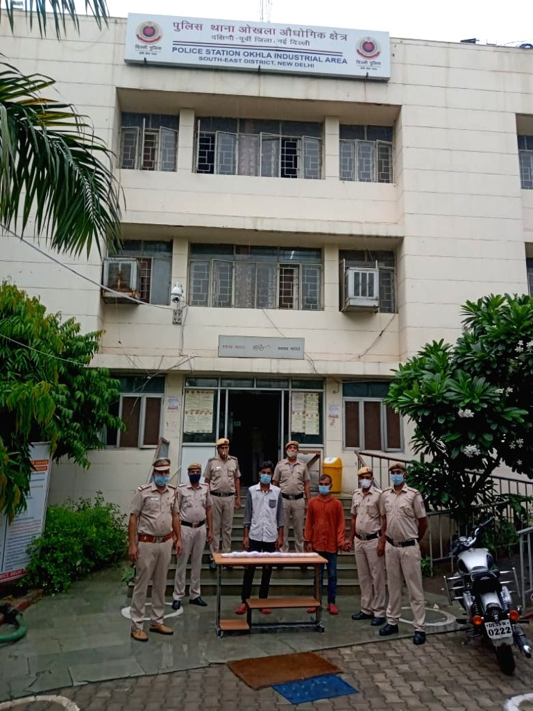 Husband murdered in front of pregnant wife in Delhi, 2 held.