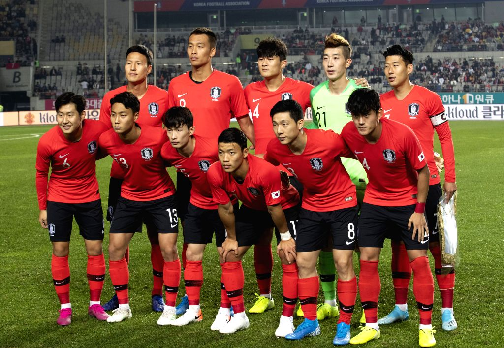 HWASEONG, Oct. 11, 2019 - Team South Korea pose before the Group H match between South Korea and Sri Lanka at the FIFA World Cup Qatar 2022 qualifier at Hwaseong Sports Complex Main Stadium in ...