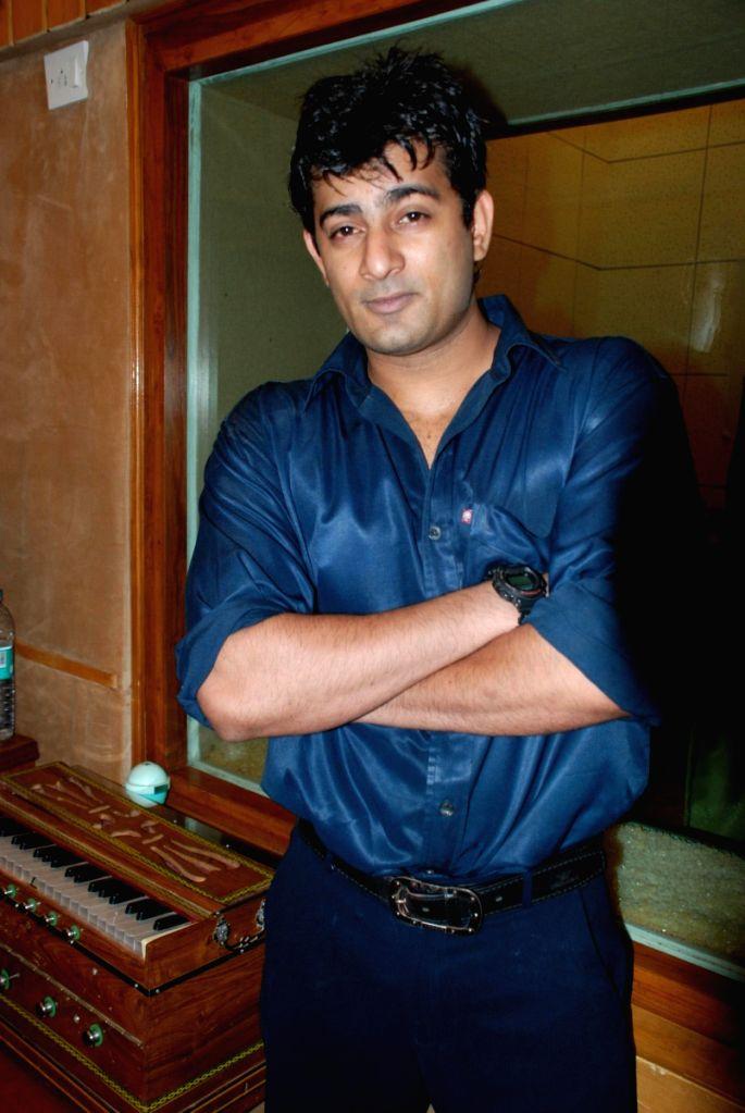 Hyder Kahn at Ram Shankar's album Sajda's recording.