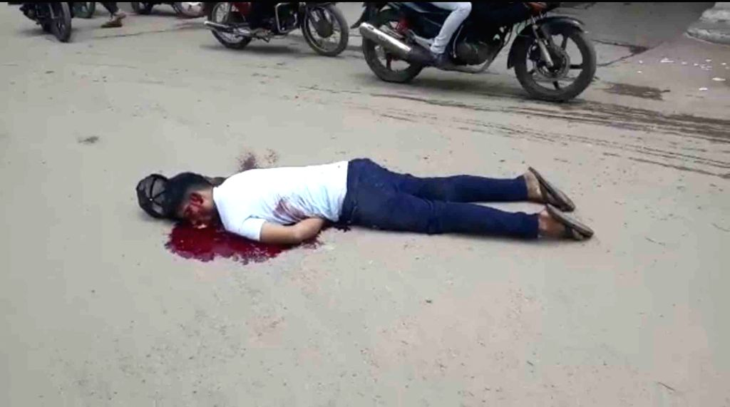Hyderabad :  A 27 year-old man was murdered by unidentified persons in broad daylight at Falaknuma on Sunday afternoon. One suspect involved in the case was detained by the police  in Hyderabad on ...
