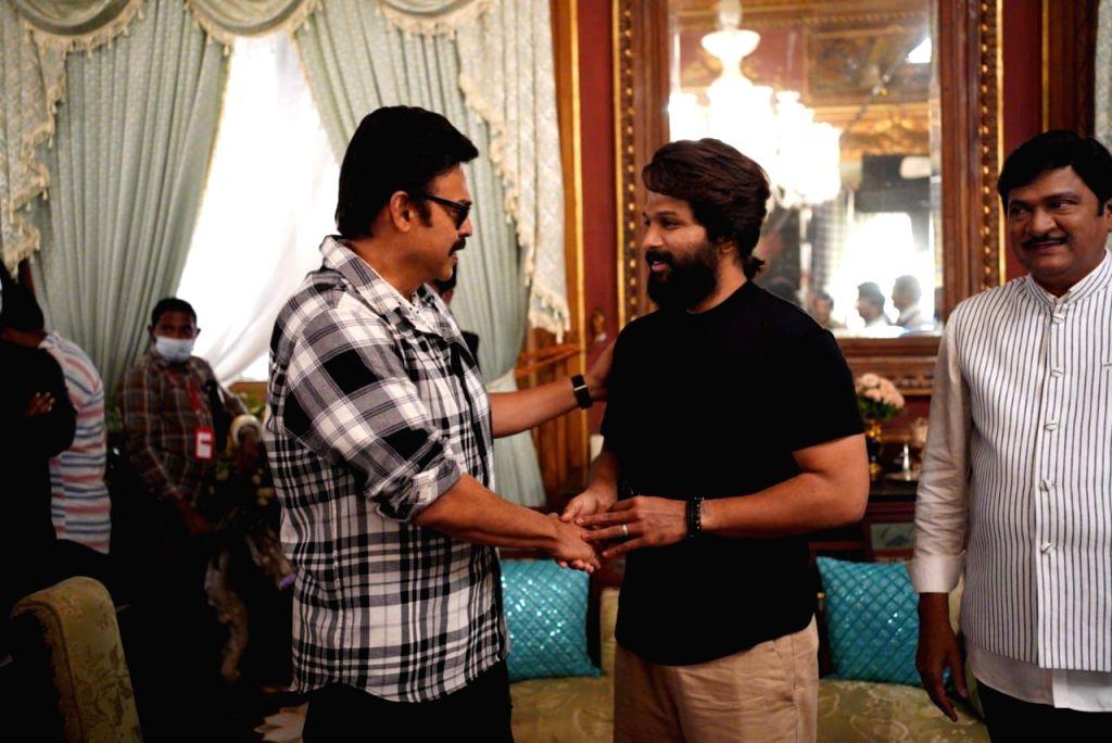 Hyderabad: Allu Arjun Visits The Sets Of Venkatesh, Varun Tej, Anil Ravipudi, Sri Venkateswara Creations F3(Photo: Ramana M/IANS)