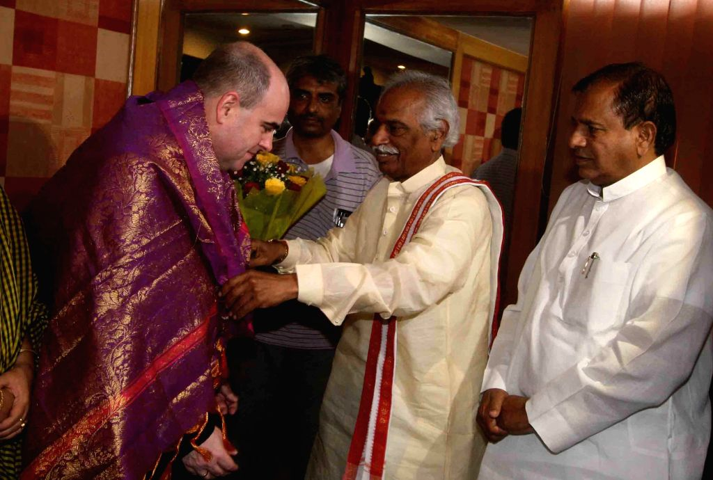 British Deputy High Commissioner (Hyderabad) Andrew McAllister calls on Union Minister of State for Labour and Employment (Independent Charge) Bandaru Dattatreya in Hyderabad, on Feb 20, ...