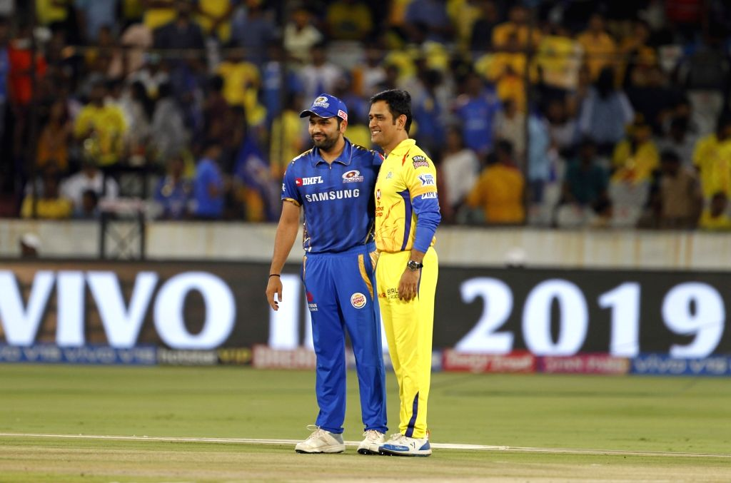 Hyderabad: Chennai Super Kings skipper MS Dhoni and Mumbai Indians skipper Rohit Sharma during the toss ahead of the Final match of IPL 2019 between Chennai Super Kings and Mumbai Indians at Rajiv Gandhi International Stadium in Hyderabad, on May 12, - MS Dhoni, Rohit Sharma and Surjeet Yadav