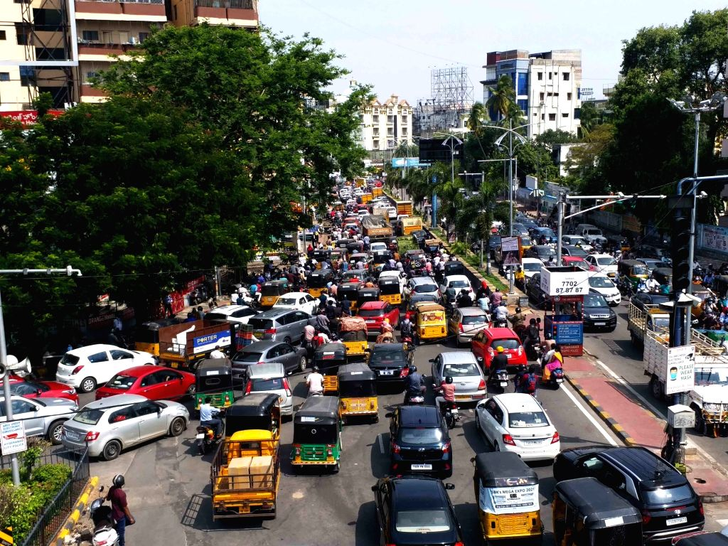 Hyderabad : Heavy Traffic is seen on road of Hyderabad, the lockdown Time end  on Saturday  in Hyderabad 22 May 2021.