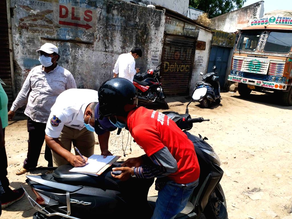 Hyderabad :  Hyderabad police  seized  Zomato delivery boy vehicles  in city, home food delivery were affected on Saturday and remained unserviceable in many parts of  Hyderabad after a random police ...