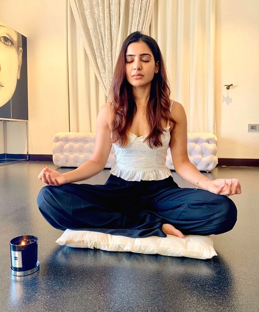Hyderabad, June 26 (IANS) Southern star Samantha Akkineni has a special reason for loving yoga. It is because she practices yoga along with hubby, Telugu star Naga Chaitanya.
