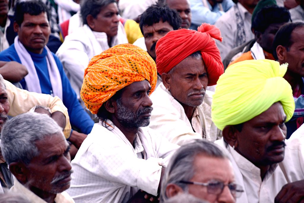 Hyderabad, March 29 (IANS) Farmers in Telangana and Andhra Pradesh could be heading for a major crisis as the 21-day nationwide lockdown to contain the spread of Coronavirus has affected the harvest of Rabi crops.