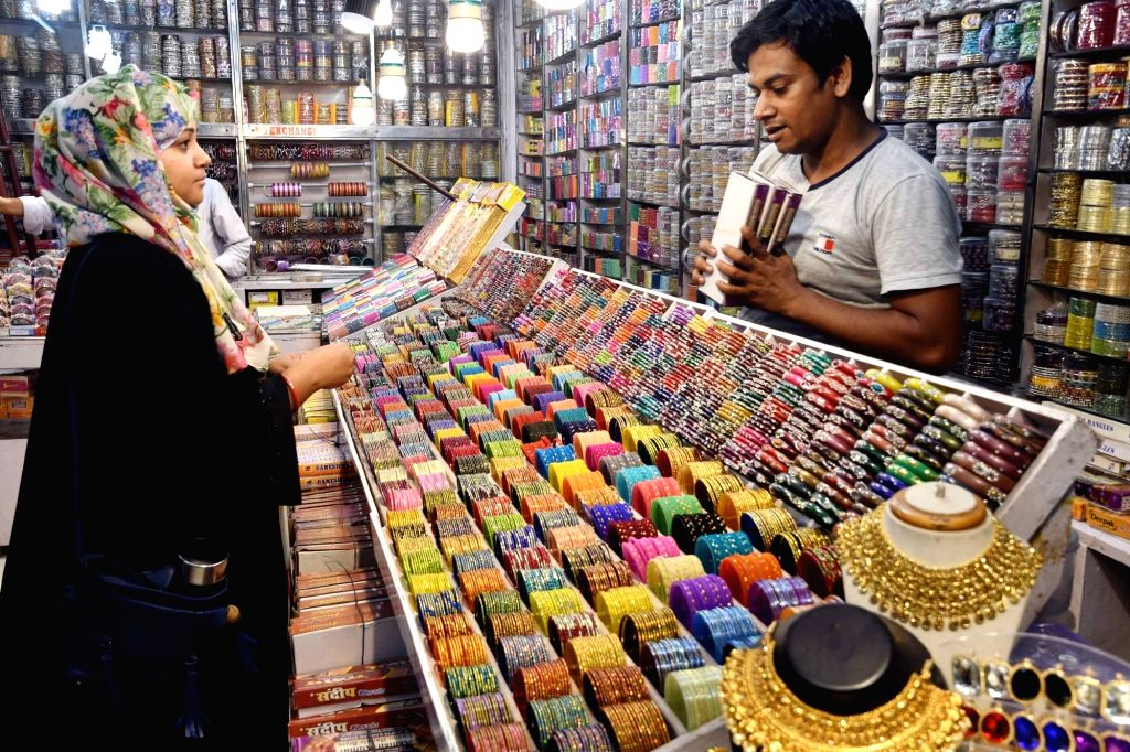 Hyderabad, May 6 (IANS) Say no to Eid shopping this year to help the needy campaign is gathering momentum with the backing from a cross section of Muslim community. (File Photo: IANS)