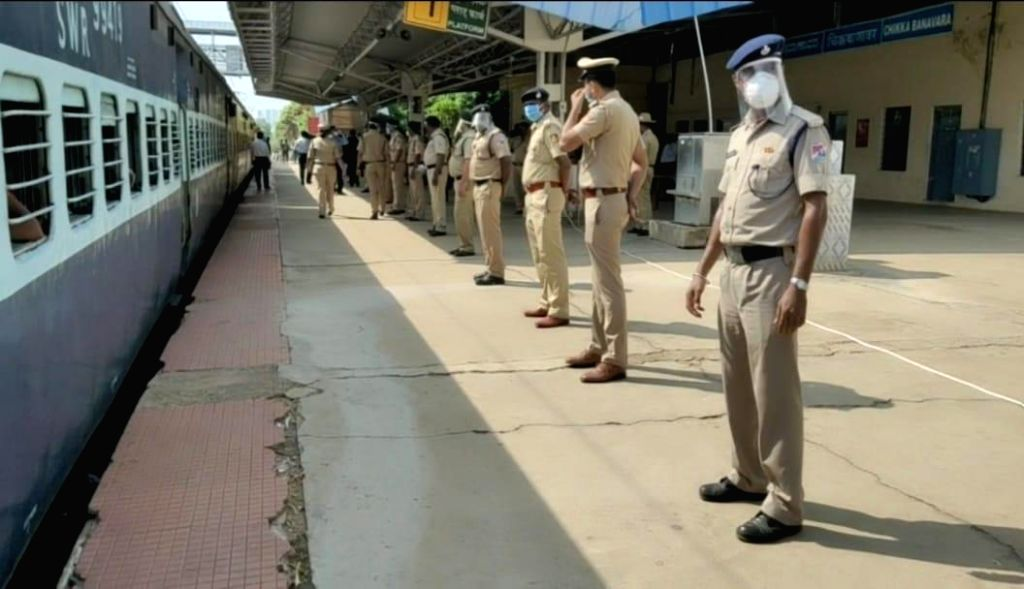 Hyderabad, May 6 (IANS) Two more special trains carrying over 2,000 migrant workers left Telangana for Bihar and Jharkhand on Wednesday, officials said. (File Photo: IANS)