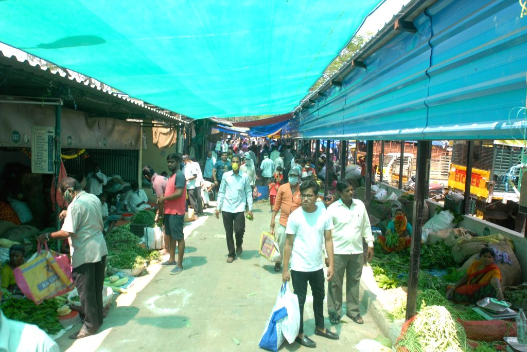Hyderabad: People busy purchasing vegetables during complete lockdown imposed in 560 districts in 32 states and union territories across the country as precautionary measures to contain the spread of the coronavirus, in Hyderabad on March 24, 2020. (